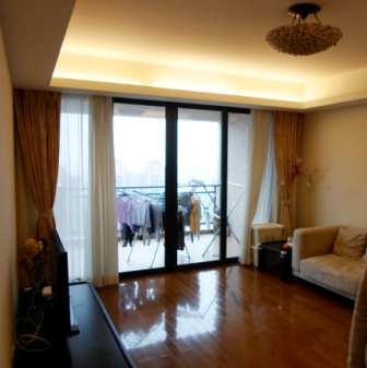 Newly renovated high rise apartment in Chang Ning District
