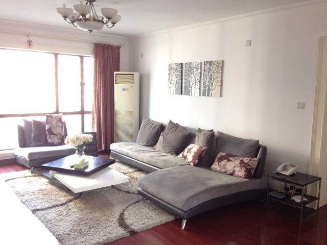 Cozy 3BR in Jing`an